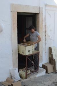 packing bottles for shipment